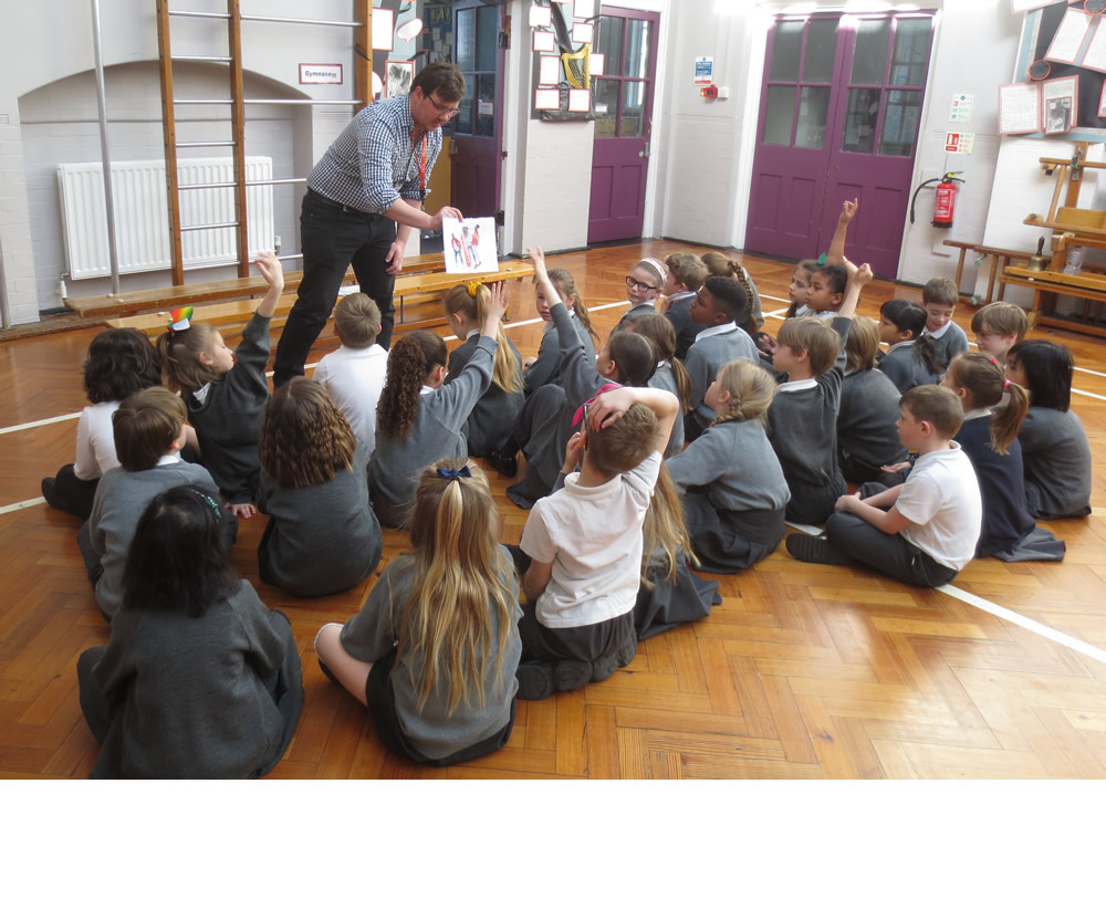 A photographer from Tate Britain came to Deansfield as part of Steve McQueen's Year 3 project. We talked about what we can tell from photos.
